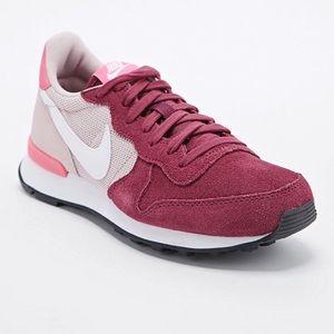 Nike Internationalist Trainer Shoes Suede Sneakers